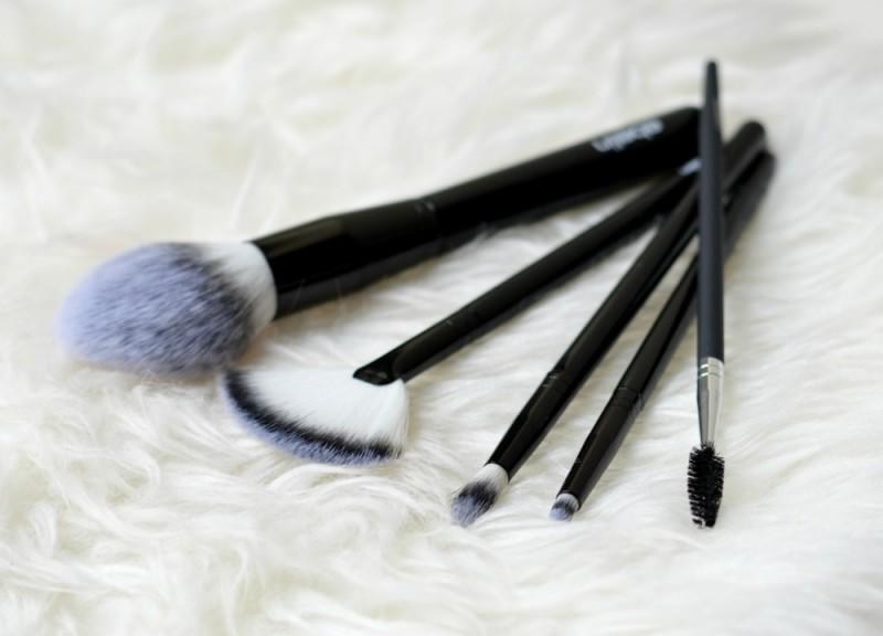 Ebelin brushes