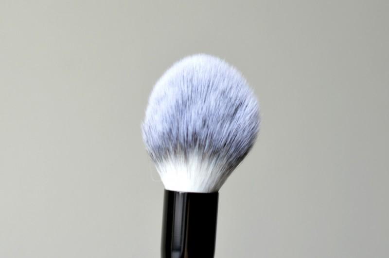 Ebelin powder brush review