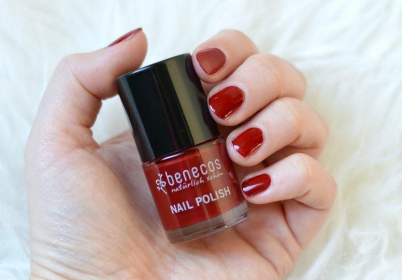 Benecos cherry red swatch