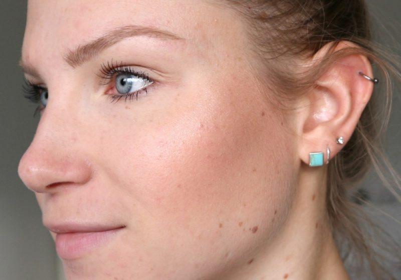 Make-up look bronzy