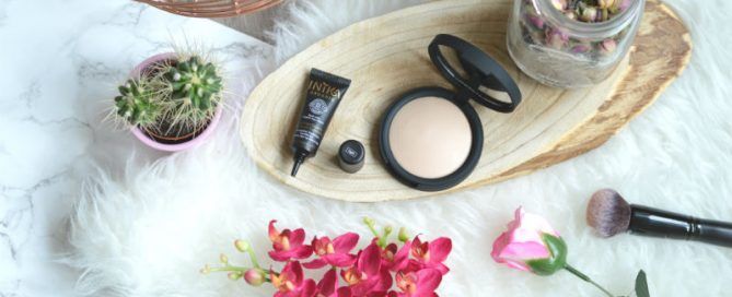 Inika foundation en concealer