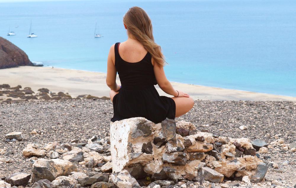 Hoe leren om alleen te zijn